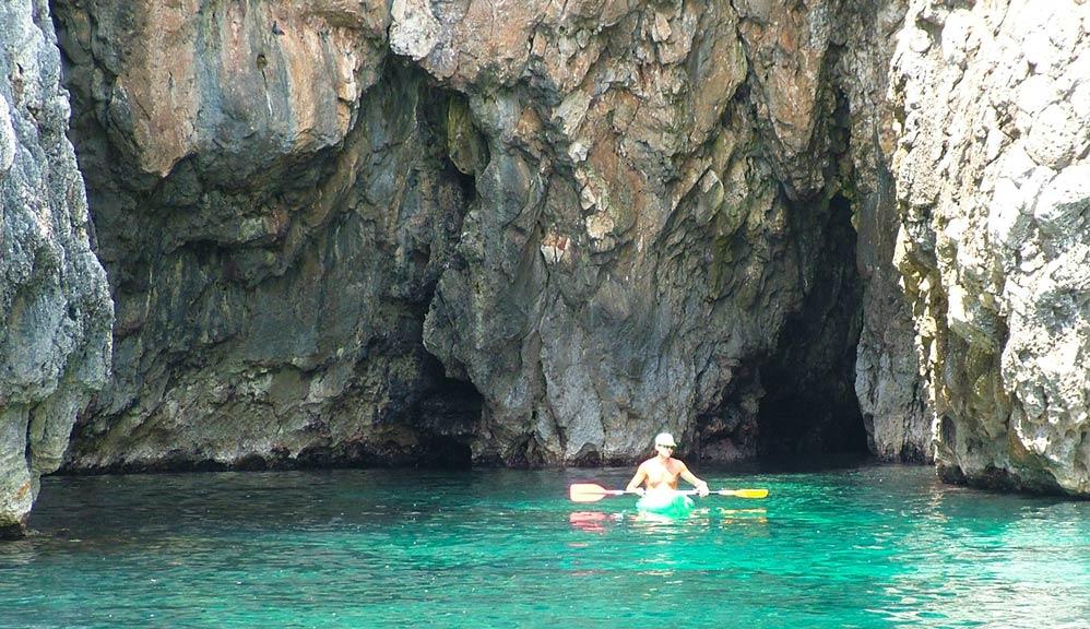 Vacanze a santa maria di leuca affitti case vacanza for Quanto costa un uomo in grotta