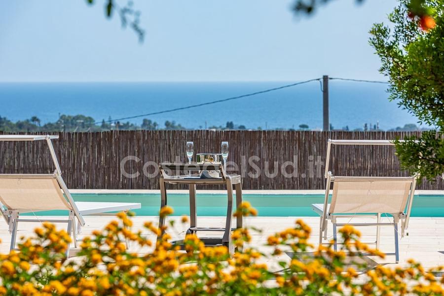 ville con piscina in Salento