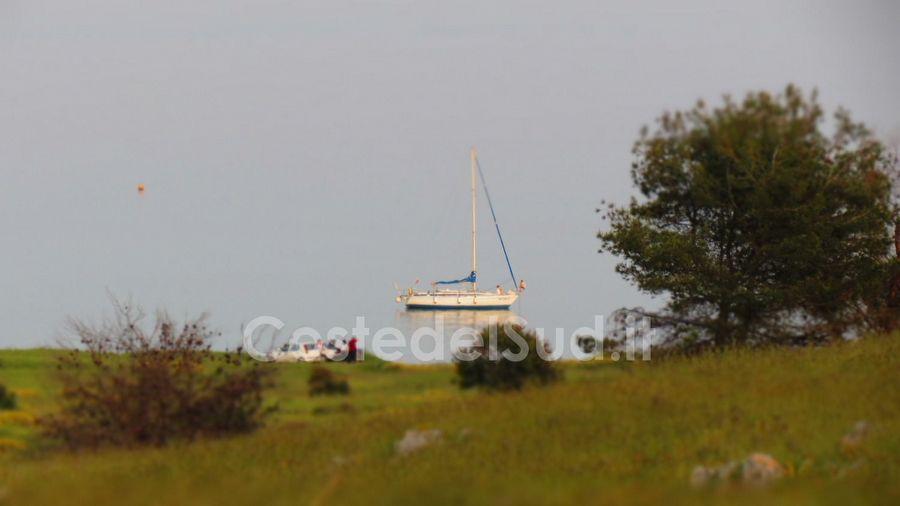 barca A Vela In Rada