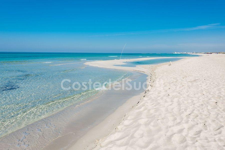 lunga Spiaggia Sabbiosa