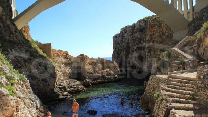 5 foto di località rocciose salentine bellissime