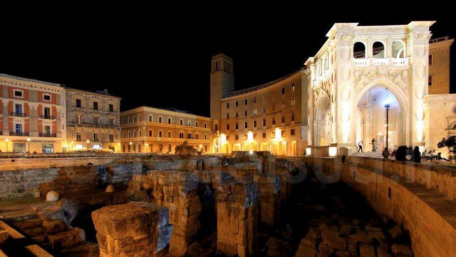 Anfiteatro romano e Sedile Lecce